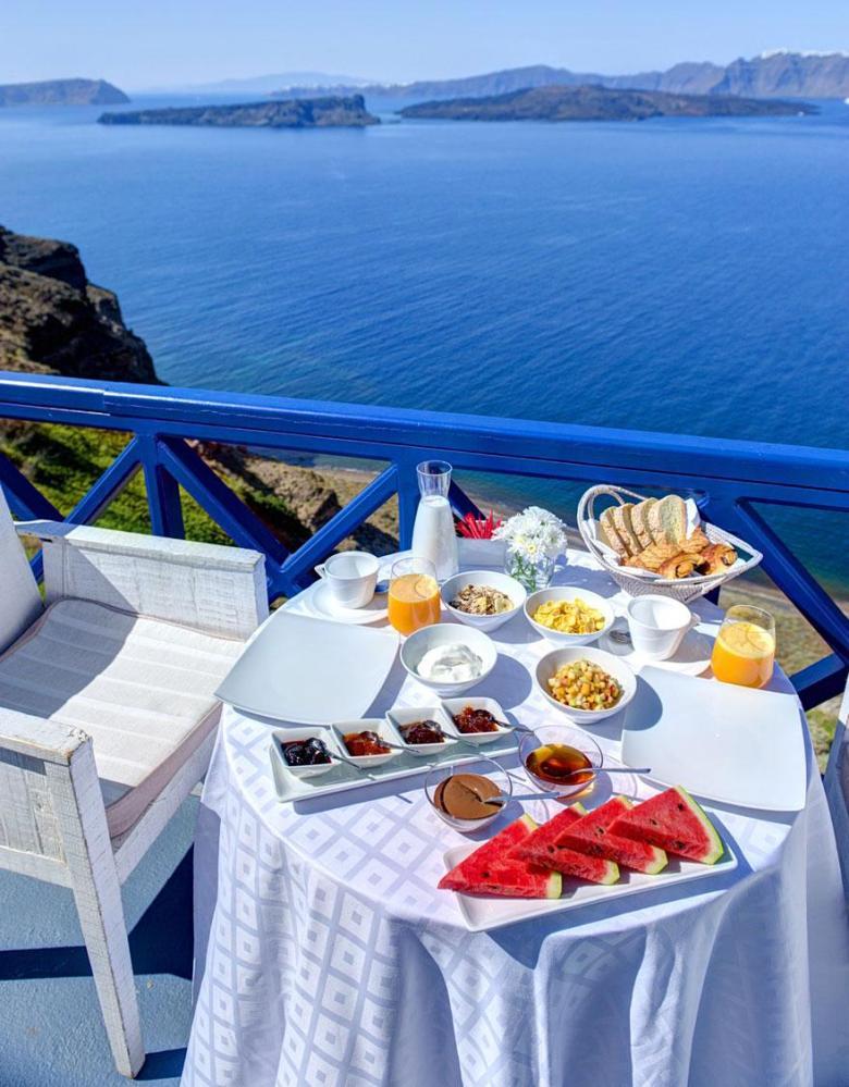 Astarte-Suits-Hotel-Greece-1
