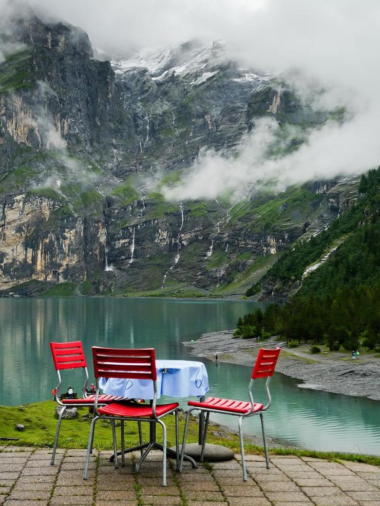 Hotel-Restaurant-Oschinensee-Switzerland