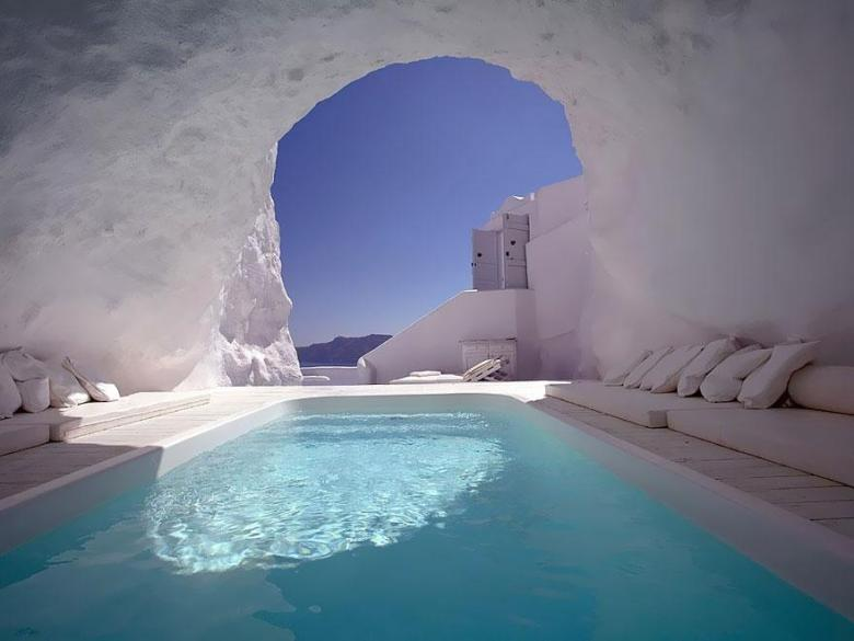 Katikies-Hotel-Oia-Greece